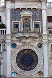 Torre de pulso de disparo astronômica San Marco, Veneza, Itália fotografia de stock royalty free