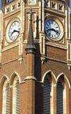 Torre de pulso de disparo da igreja imagem de stock royalty free