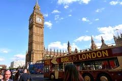 Torre de pulso de disparo de Big Ben em Elizabeth Tower do palácio de Westminster Imagens de Stock