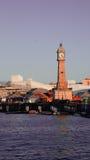 Torre de pulso de disparo no porto Imagens de Stock