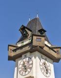 Torre de pulso de disparo velha Uhrturm em Graz, Áustria imagem de stock