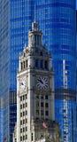 Torre de pulso de disparo da construção de Wrigley Foto de Stock Royalty Free