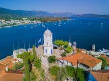 A torre de pulso de disparo da ilha de Poros, Grécia Foto aérea do zangão foto de stock royalty free
