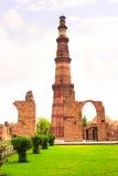 Torre de Qutub-Minar, Delhi, la India Foto de archivo libre de regalías