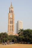 Torre de Rajabai - torre de reloj histórica, Bombay, la India Foto de archivo