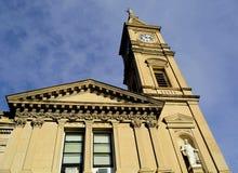 Torre de reloj de la iglesia Fotografía de archivo