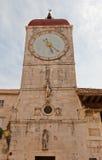 Torre de reloj de la iglesia de San Sebastián (1476) Trogir, Croatia Fotos de archivo