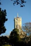 Torre de reloj de la universidad imagen de archivo libre de regalías