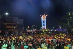 Torre de reloj del anillo de la provincia de Trang con mucha gente Fotos de archivo libres de regalías