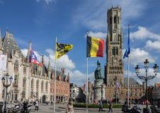 Torre de reloj del campanario de Brujas Bélgica Fotos de archivo