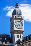 Torre de reloj del ferrocarril del Gare de Lyon París, Francia Foto de archivo