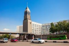 Torre de reloj en Krasnoyarsk foto de archivo