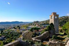 Torre de reloj en la barra del graduado de Stari, Montenegro fotografía de archivo