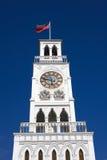 Torre de reloj en la plaza principal de Prat de la plaza en Iquique, Chile Imagen de archivo