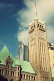Torre de reloj en Minneapolis, Minnesota. Imagenes de archivo
