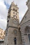 Torre de reloj de la catedral católica del Duomo en Messina Foto de archivo