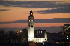 Torre de reloj la torre de reloj en el puerto viejo de Montreal fotografía de archivo
