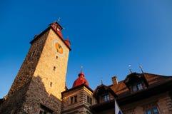 Torre de reloj medieval de Tte del ¼ de Kornschà en Alfalfa, Swizerland fotografía de archivo libre de regalías