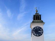 Torre de reloj vieja blanca Foto de archivo