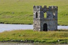 Torre de Scolpaig do Loch Fotos de Stock