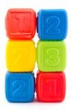 Torre de seis bloques huecos coloridos Foto de archivo