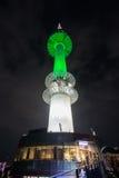 Torre de Seoul na noite imagem de stock