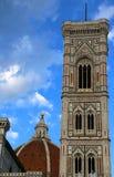 Torre de sino antiga de FLORENCE Italy por Giotto um artista italiano Imagem de Stock