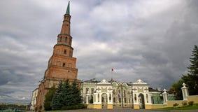 Torre de Suyumbike em Kazan imagens de stock