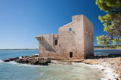 Torre de Sveva, Vendicari, Sicilia, Italia fotos de archivo libres de regalías