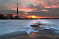 Torre de Televisional de la ciudad Riga Imagenes de archivo