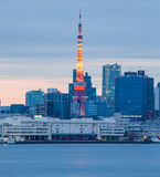Torre de Tokio de la señal en Tokio, Japón Imágenes de archivo libres de regalías