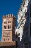 A torre de Torre de El Salvador no estilo mudejar é um mundo H do UNESCO imagem de stock