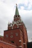 Torre de Troitskaya de Moscovo Kremlin Rússia Fotografia de Stock
