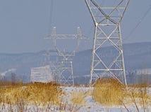 Torre de um cano principal elétrico de alta tensão imagens de stock royalty free
