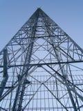 A torre de uma comunicação móvel Imagens de Stock
