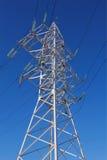 Torre de una línea de alto voltaje Imágenes de archivo libres de regalías