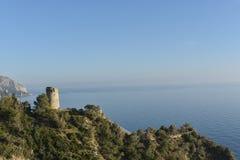 Torre de vigia de onde a chegada dos navios inimigos foi olhada fotos de stock