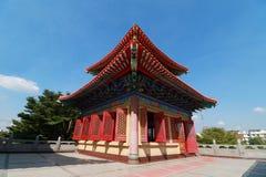 Torre decorata del tetto curvo del tempio cinese in tempio cinese Immagini Stock Libere da Diritti