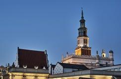Torre del ayuntamiento del renacimiento con el reloj Imágenes de archivo libres de regalías