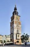 Torre del ayuntamiento en Kraków, Polonia Fotografía de archivo libre de regalías