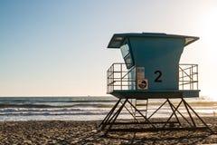 Torre del bagnino in riva dell'oceano, California Immagini Stock Libere da Diritti