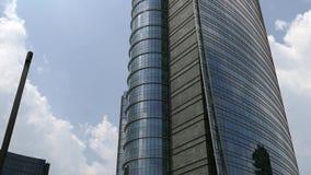 Torre del banco de Unicredit el rascacielos más alto de Italia metrajes