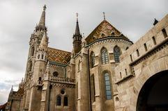 Torre del bastión del ` s del pescador en Budapest fotografía de archivo
