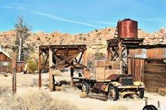 Torre del camión y de agua Imágenes de archivo libres de regalías