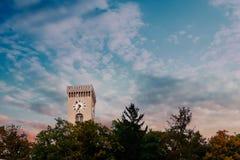 Torre del castello di Transferrina nel tramonto con le nuvole beautyful in SK Fotografie Stock