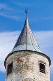 Torre del castello medievale nella città di Haapsalu, Estonia fotografie stock libere da diritti