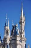Torre del castillo de Disney Cinderella Imagen de archivo