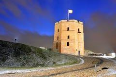 Torre del castillo de Gediminas en la colina en Vilna Fotos de archivo libres de regalías