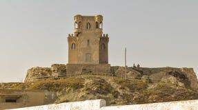 Torre del castillo en cabeza del tarrifa encendido Imagen de archivo