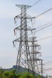 Torre del cavo elettrico di alto potere immagine stock